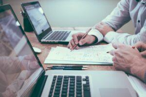 Como economizar tempo ao fazer a apuração da comissão de vendas